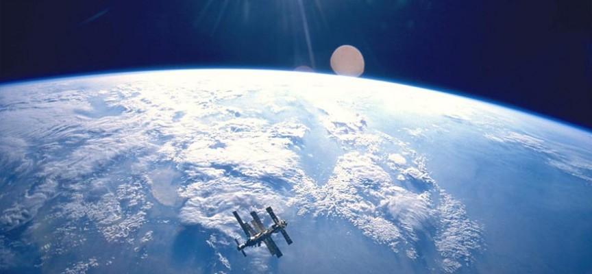 NASA sprovodi kemtrejls program u svemiru